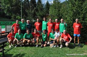 Alcuni dei partecipanti alla 12 ore consecutive di tennis