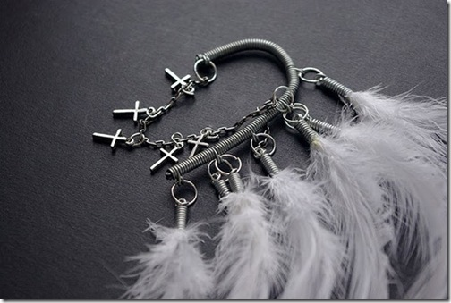 ear-cuff-white-silver-crosses2