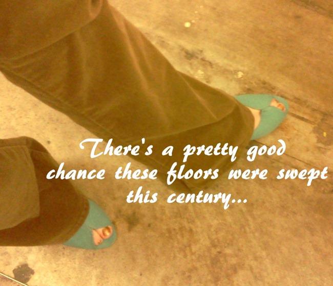 [IMG_20120110_172529%255B5%255D.jpg&description=Wardrobe Wednesday: The 30 Minute Goodwill Challenge')]