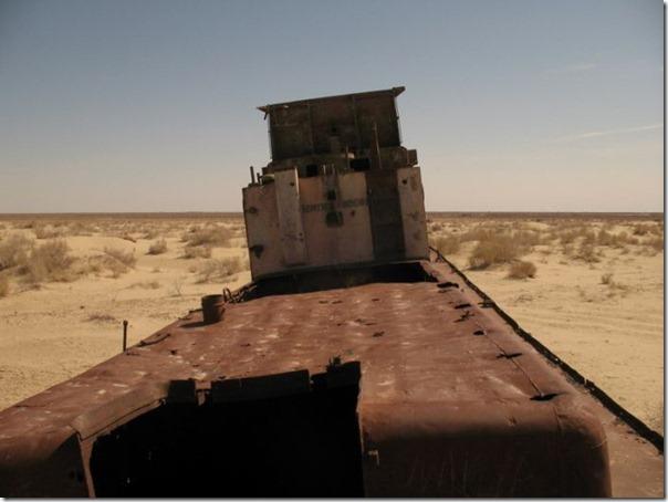 Navios abandonados de Mar de Aral (17)