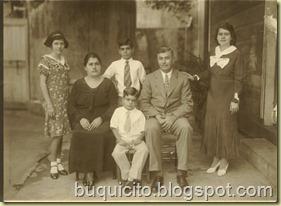 RICARDO LONGO Y SU ESPOSA VICENTA, E HIJOS LINA, ANSELMA, ADÉLICO Y MARIO, LA VEGA