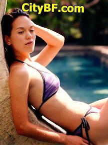 Bikini-Woman-Relaxing.jpg