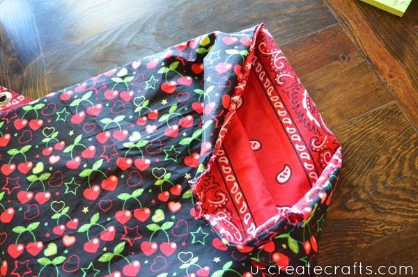 Drawstring Bandanna Backpack tutorial Step 29