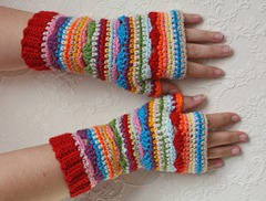 405 - Red Cuff Boho Fingerless Gloves (1)