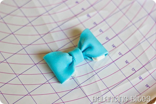 How to make a fondant or gum paste bow by Balancing Bites (23 of 23)