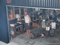Andy beim Barbecue in der Garage :-)