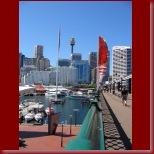 The Pyrmont Bridge across Darling Harbour_t