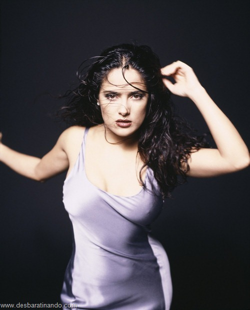 salma hayek linda sensual sexy sedutora gostosa peituda boob tits desbaratinando  (23)