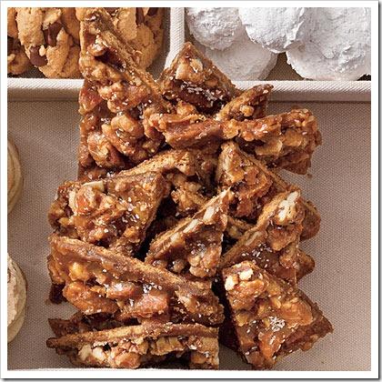 salted-caramel-pecan-bars-l