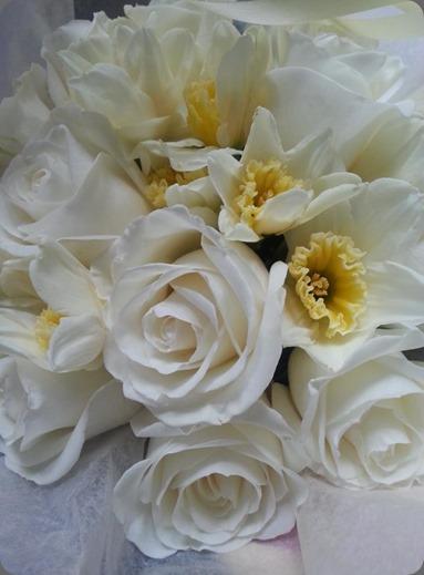 daffodil 554114_554679231220542_9409493_n L'Oasis floral design