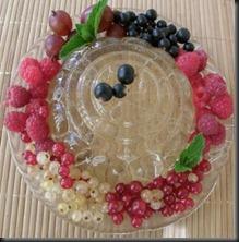 elderflower jelly with berries