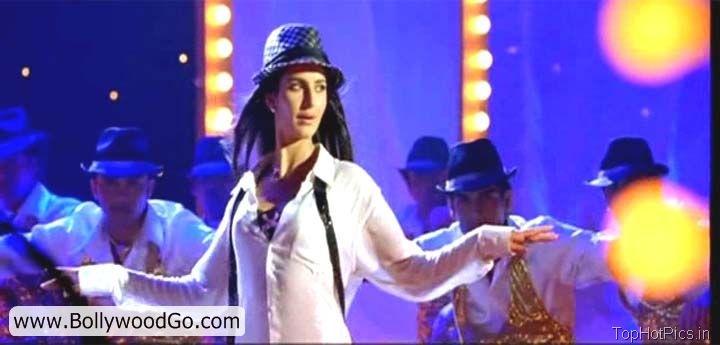 Katrina Kaif Hot Pics Shelia ki Jawani Dance 12
