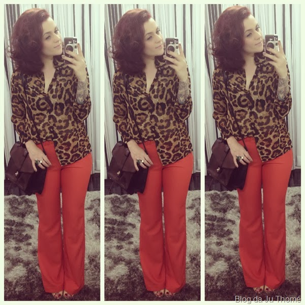 look calça flare laranja e camisa animal print (1)