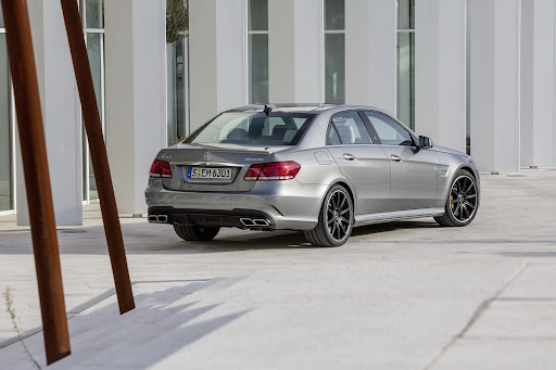 Mercedes-Benz-E-63-AMG-02.jpg