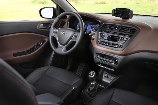 Hyundai-i20-12.jpg