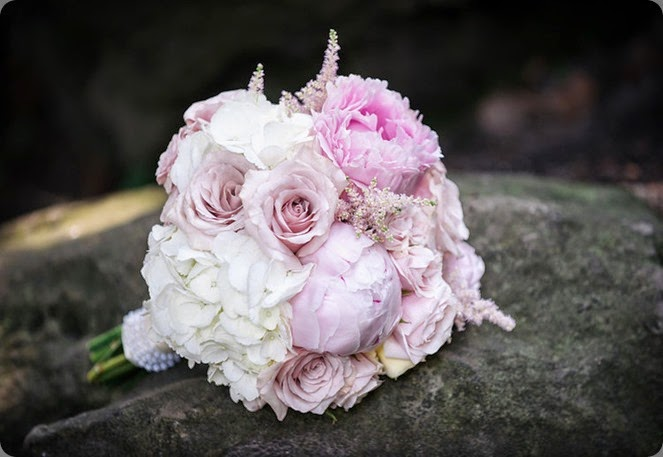 1-124-L  Jesse James Photography and fleurish design studio ontario