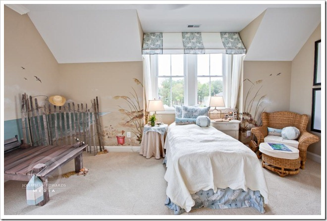 childrens-beach-themed-bedroom-Decorating a Dream Home - www.sandandsisal.com