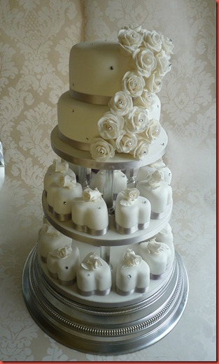 individual hearts and roses wedding cake with 2 tier topper