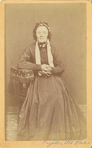 Kari 1878 CdV DL