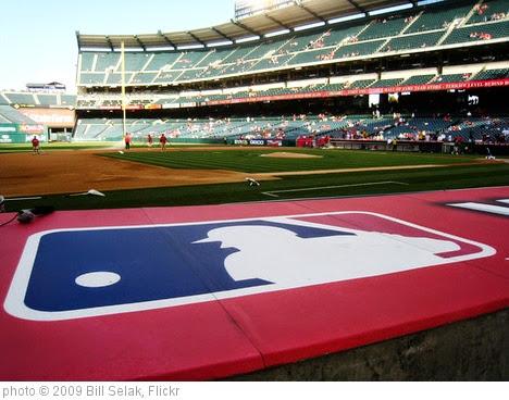 'Major League Baseball' photo (c) 2009, Bill Selak - license: https://creativecommons.org/licenses/by-nd/2.0/
