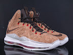 nike lebron 10 gr cork championship 11 01 @KingJames Wears NSWs Nike LeBron X Cork Off the Court