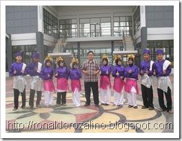 3.TARI  INDANG-Pagelaran Karya Seni Tari III (PAKASERI III) Kelas XI IPA SMAN Pintar  2011 Berjalan Sukses dan Luar Biasa