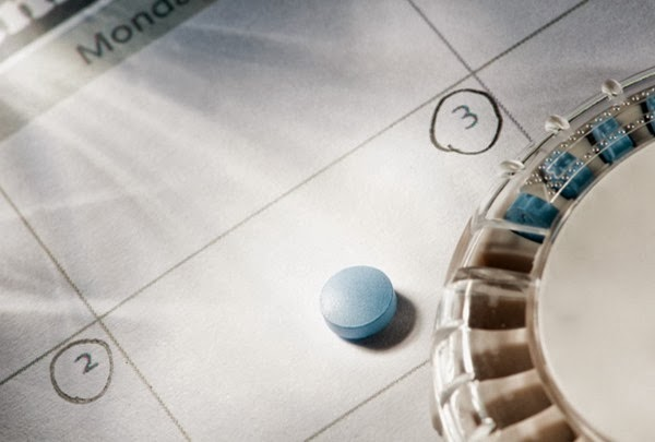 birth-control-pills-on-calendar