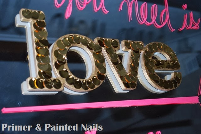 LOVE sign - Primer & Painted Nails