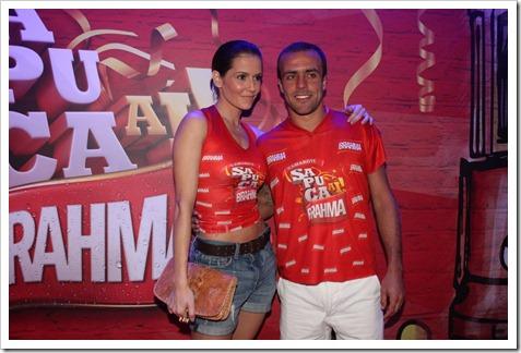Deborah Secco e Roger Flores