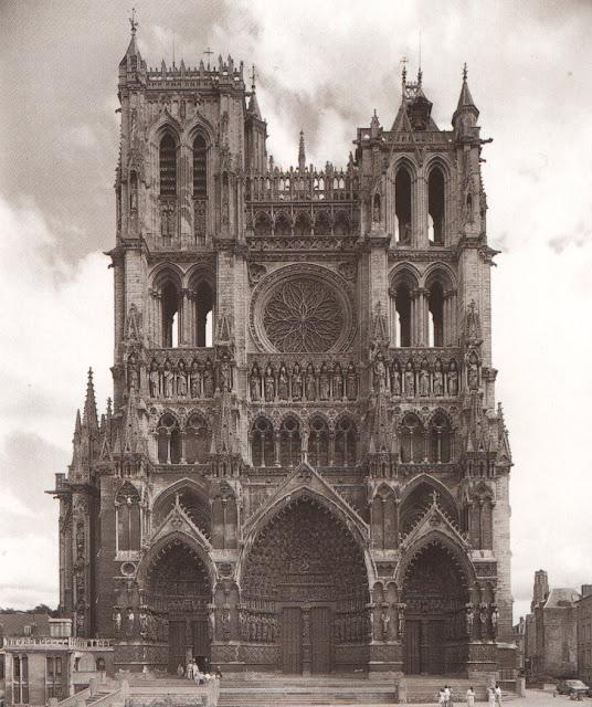 Arte gotico en europa obras arquitectonicas significativas for Obras arquitectonicas