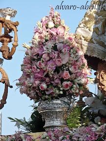 exorno-floral-procesion-carmen-coronada-malaga-2012-alvaro-abril-flor-(37).jpg