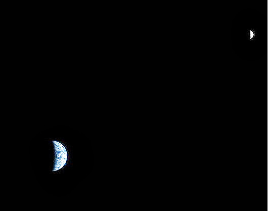 600px-The_Earth_and_the_Moon_photographed_from_Mars_orbit