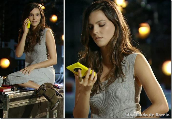 moda da novela em família - celular com acessório da marina capítulo 25 de fevereiro de 2014