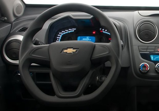 Chevrolet_Montana_2014-1