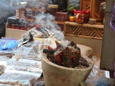 22. Tamaie in bazarul din Oman.JPG