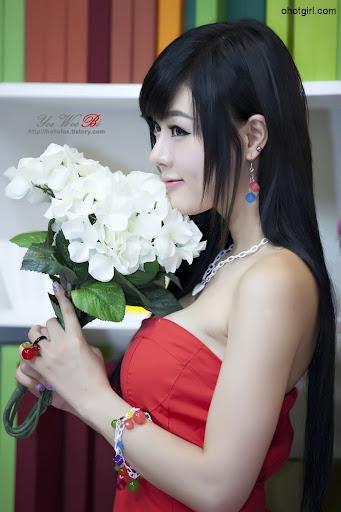 http://lh5.ggpht.com/-U5GBCxX9ur8/TgILd7sz94I/AAAAAAAACps/Vd3O1-oiIYs/ohotgirl_KOBA-2011-Hwang-Mi-Hee-06.jpg