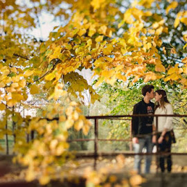 Autumn love by Crihan Vlad - People Couples