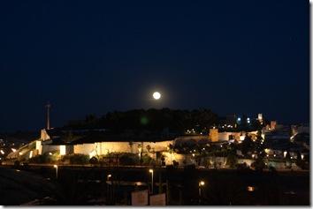 luna-sobre-alcazaba