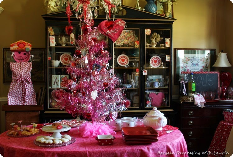 Valentine Party-Bargain Decorating with Laurie
