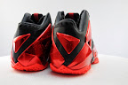 nike lebron 11 gr black red 5 09 New Photos // Nike LeBron XI Miami Heat (616175 001)