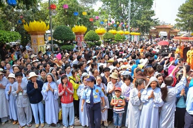 tam-tang-phap-su-thuyet-phap-chua-Hoang-Phap (8)