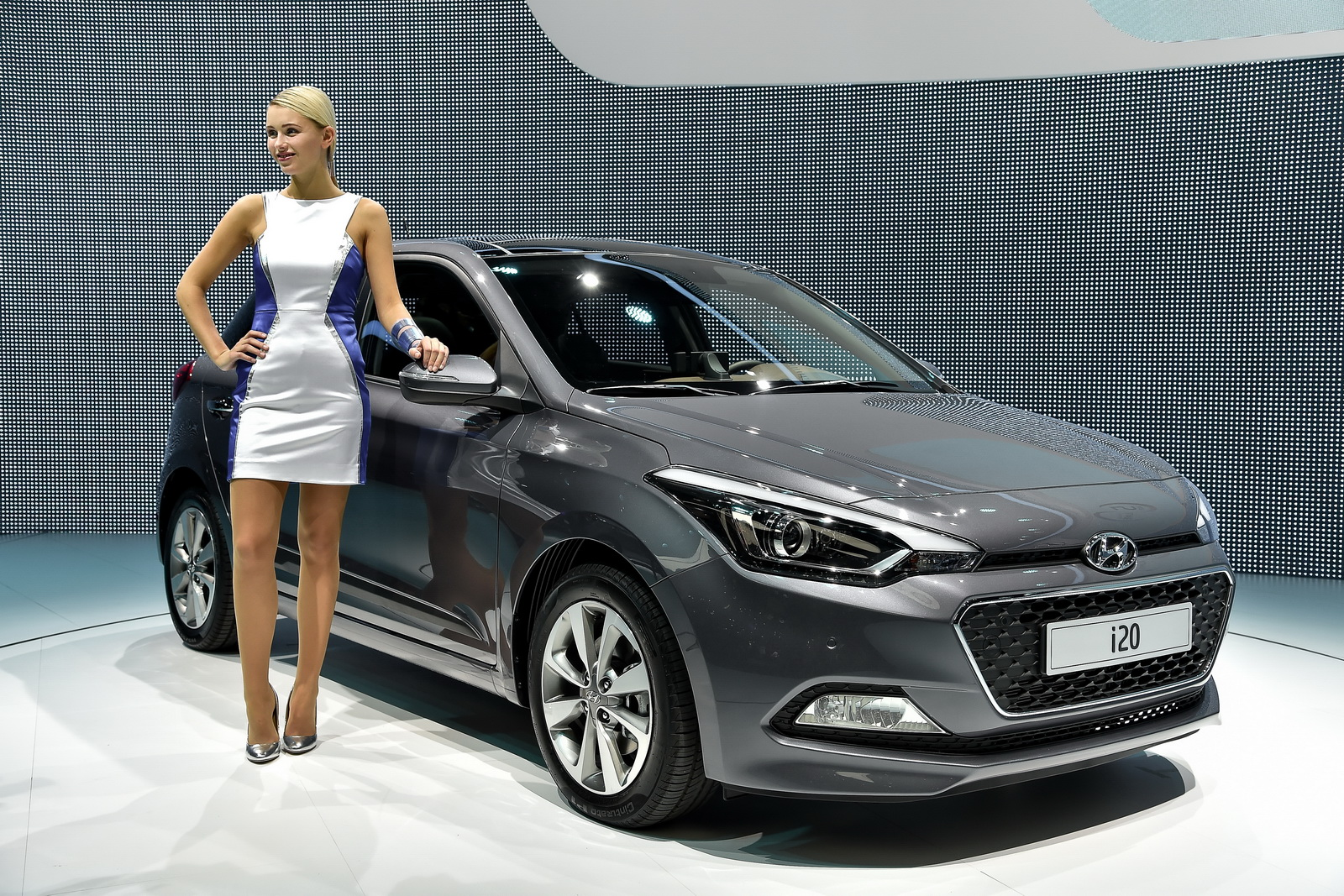 Hyundai yeni i20 39 nin yan nda yepyeni turbo beslemeli for Garage hyundai paris 18