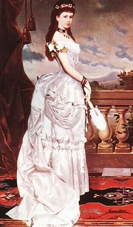 Con su vestido de polison