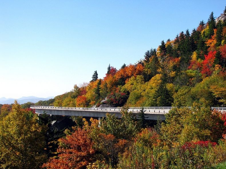 linn-cove-viaduct-10