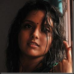 Tamil Actress Mahima Nambiar Stills in Ennamo Nadakkudhu Movie