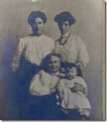 MILNE_4 generations of women_BOWDEN_HUNTER_BOGGS & MILNE_original photo