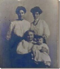 MILNE_4 generations of women_BOWDEN_HUNTER_BOGGS & MILNE_original photo