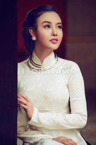 julia-ho-dam-tham-ao-dai-xua (11)