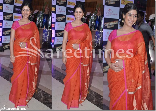 Konkana_Sen_Red_Saree