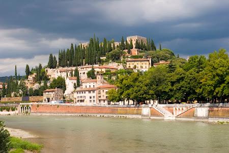 Imagini Italia: Verona pe malurile raului